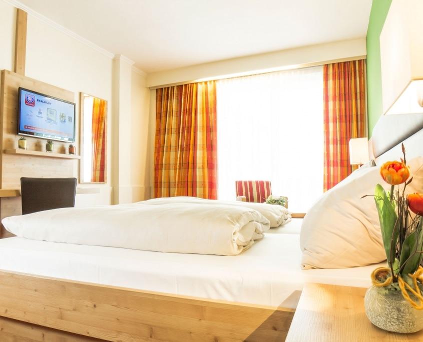 Hotel Rössl mit hellem Schlafzimmer
